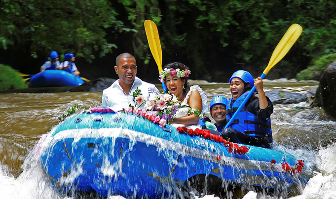 Water Raft Wedding